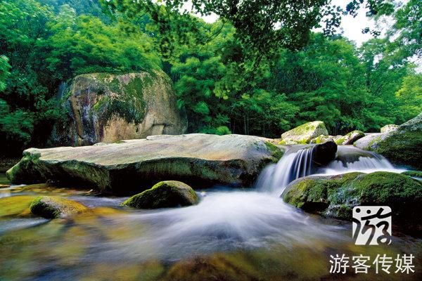 老边沟风景区位于辽宁省本溪满族自治县