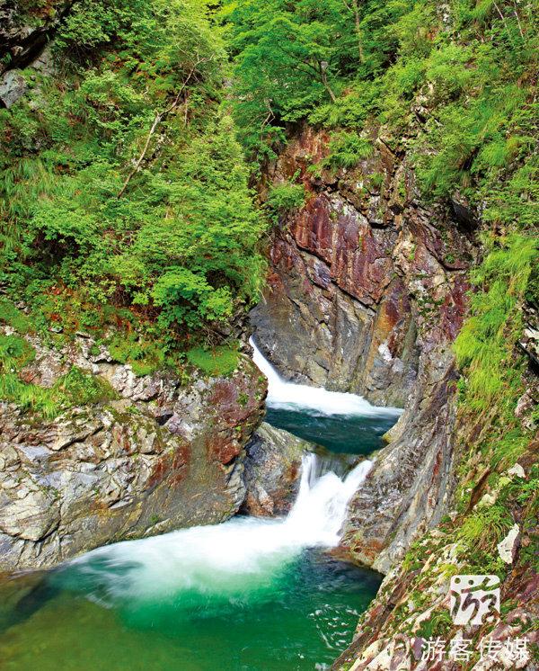 您当前的位置 :游客杂志 > 魅力辽宁   暮春时节的大石湖和老边沟风景